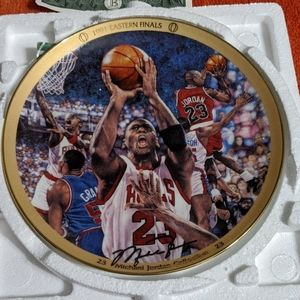 Michael Jordan collectors plate 6206A